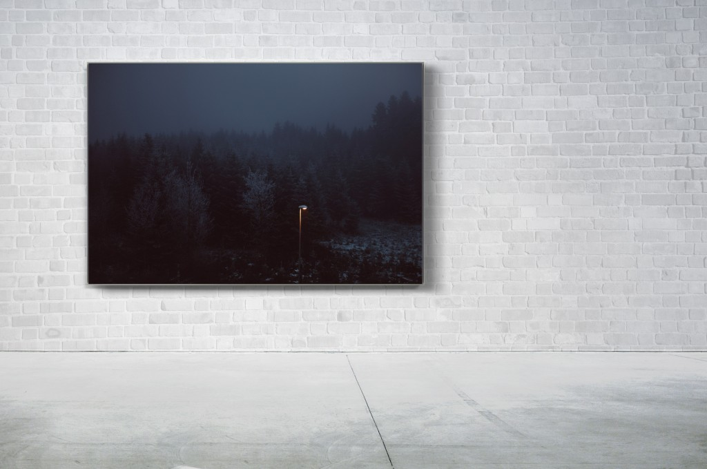 lonelylamp_wall